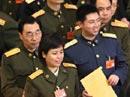解放军代表在排队投票