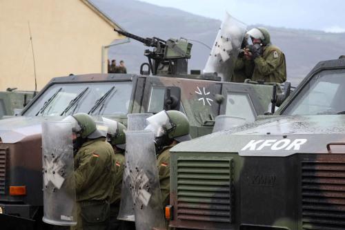 动荡下的平和 北约驻科索沃维和部队实录(组图)