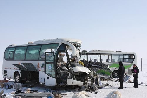 新疆阿勒泰政府网站_新疆阿勒泰发生一起交通事故造成5人死亡(组图)-新闻频道-和讯网