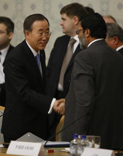 """作组织""""阿富汗问题国际会议"""".会议上讨论了对于阿富汗的社会安"""