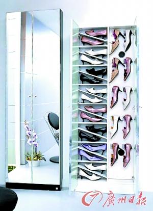 女人的鞋柜里面永远都少一双鞋子