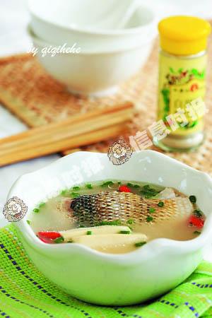 百合淮山鲈鱼汤