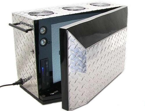 (论坛)比一体机还牛 双屏电脑机箱亮相(组图)