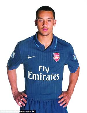 此外,利物浦与阿森纳也将更换客场球衣.