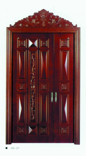 或深纹以旧做旧,美式木门粗犷沉重;   或造型半拱圆顶,欧式木门