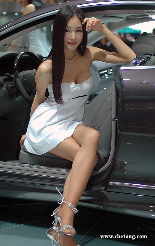 女人我最大 韩国性感车模新鲜出炉 汽车频道