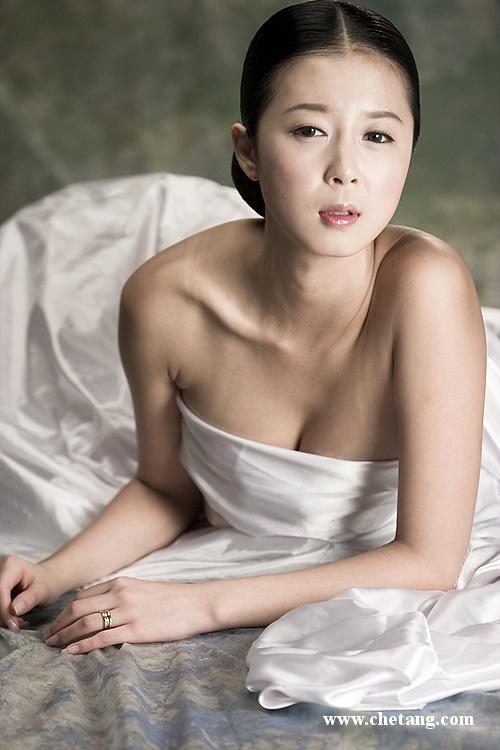 清纯的小可爱 身材火辣的韩国车模