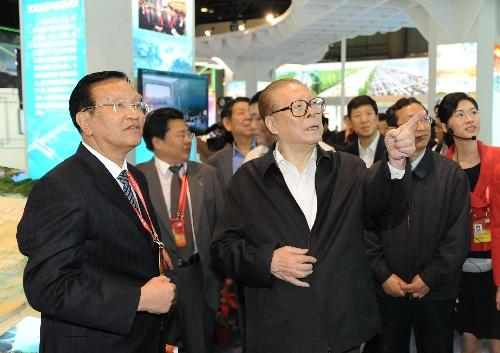 七旬老人练螳螂拳60年_60年人口