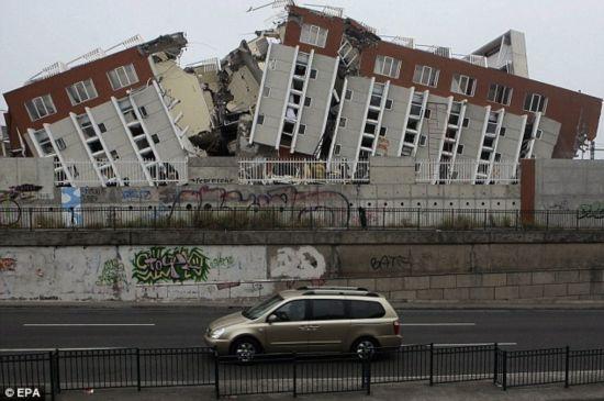 图文:智利地震死亡人数上升至750人