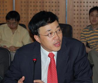 人大代表中星微电子董事长邓中翰