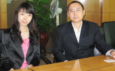 左:和讯基金孙萱 右:广发理财3号投资经理 陈志坚