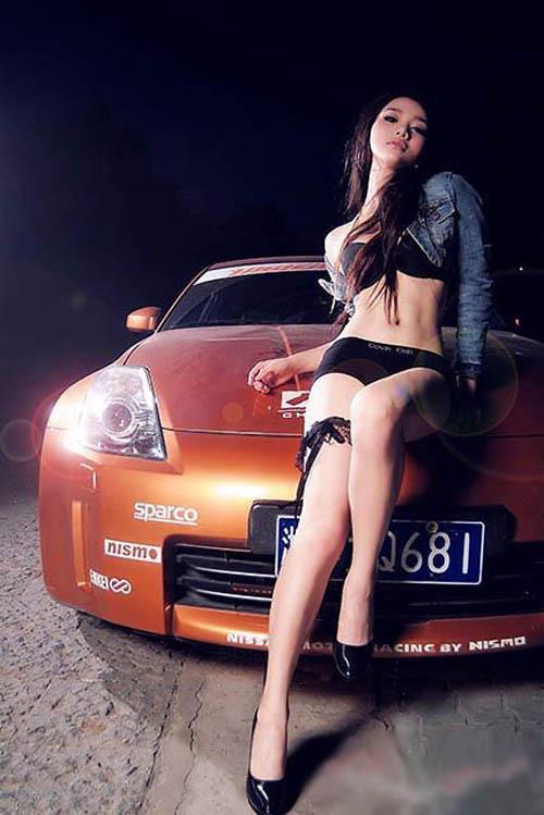 黑色炫动:车与美女的互相诱惑 汽车频道
