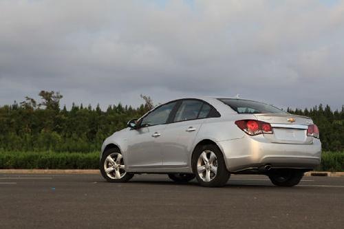 科鲁兹1.6T首批量产车图片曝光 售价将低于17万高清图片