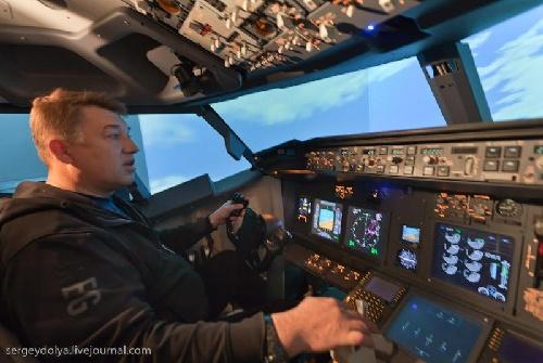 驾驶波音737(组图)