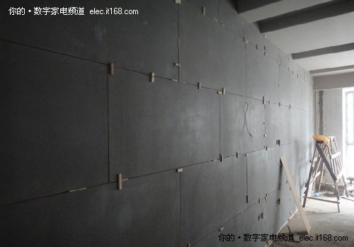 墙体结构:木龙骨吸音棉塞满木工板打底木丝水泥板
