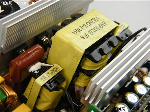 8a的电流,而且升压电路中的二极管也采用损耗更低,开关频率更高的