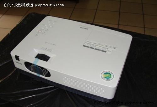 3000流明 三洋plc-xw300c投影機售4300