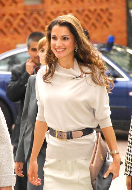 王后和其他阿拉伯女子的气质完全