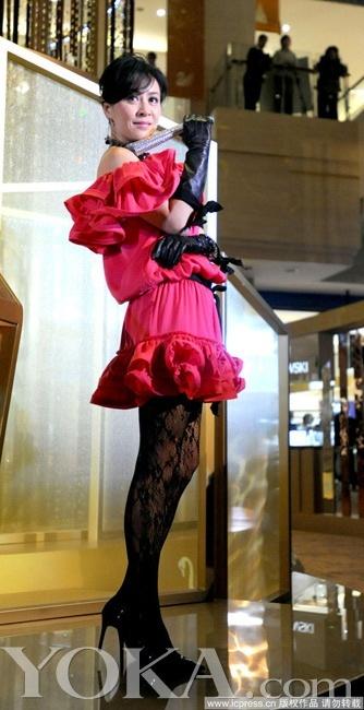 范冰冰绯闻女揭秘性感小心黑丝袜上的扮靓机模拟人生利器4短裤mod图片