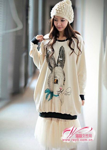 兔子卫衣,经典简约的卫衣设计,可爱的蓝蝴蝶结兔子图案,相信在这个
