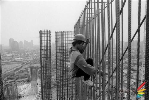 图记:印尼高空作业建筑工人