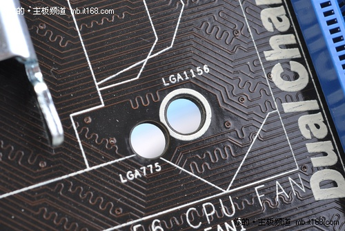 电路板接口变形损坏图片