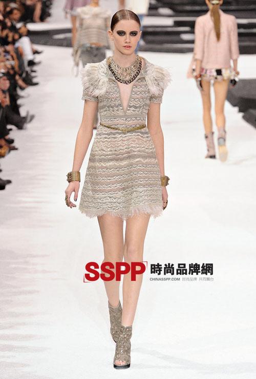 犹如置身梦境 黑白经典巴黎大皇宫 Chanel201
