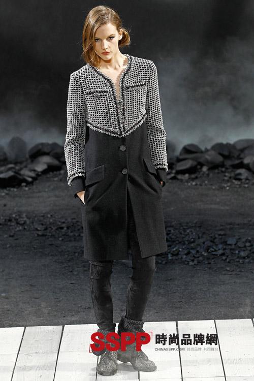 香奈儿Chanel女装2011秋冬时尚秀场直击图片