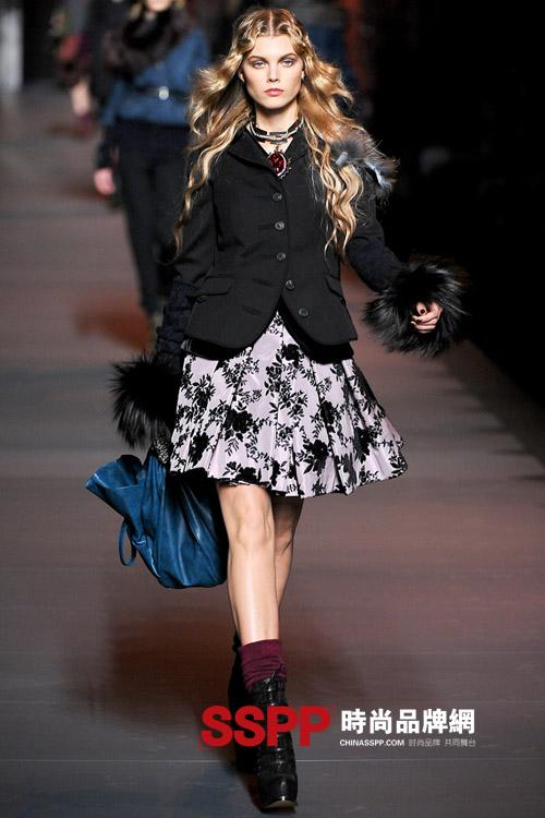 迪奥Dior女装2011秋冬系列时尚秀场图片
