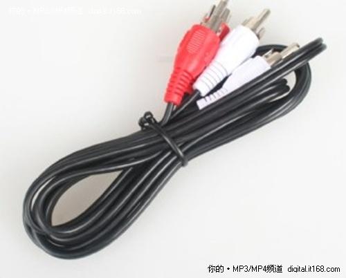 我们可以看到电源接口,光纤,色差,av,左右声道,hdmi,网线接口,双usb