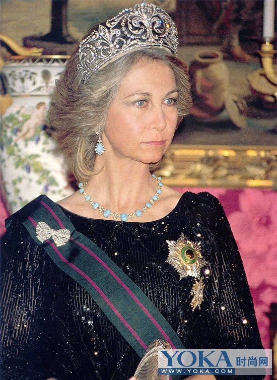 镇国之宝 各国王后皇冠中的精品
