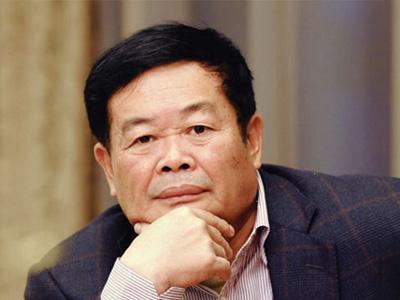 曹德旺(资料图)  2010年5月,福耀集团董事长曹德旺向西南五...