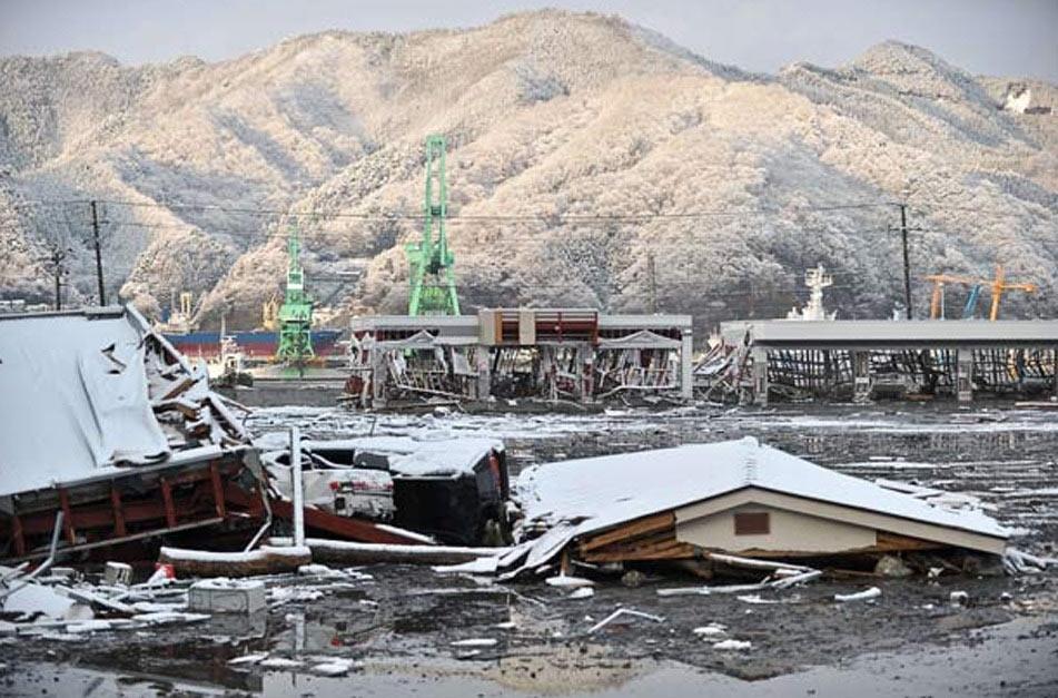 高清组图:日本海啸垃圾形成巨岛