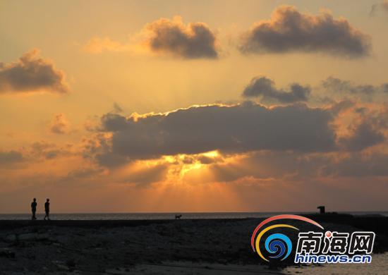 西沙群岛观落日 看美景享受宁静[组图]