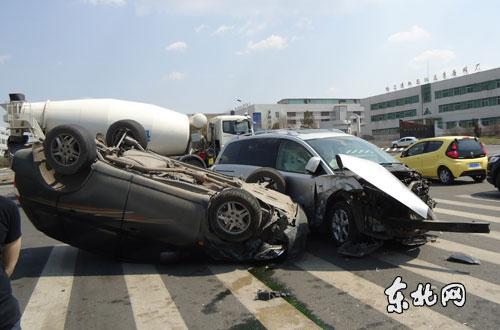 哈尔滨车祸死亡连续发生回放