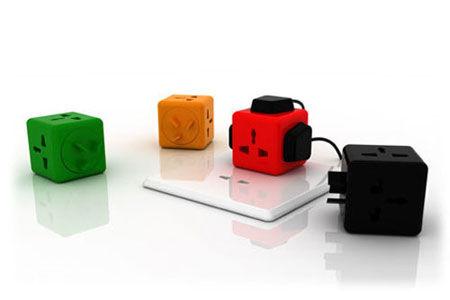 在每个面上都设计了插孔,多种色彩的选择就像是孩子手中的积木一般讨