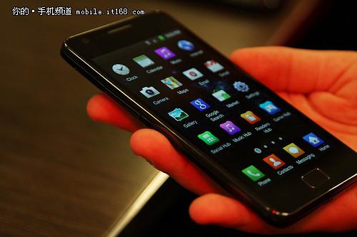 三星 手机 双核/刷新了当时的全球最薄智能手机纪录,机身厚度仅为8.5毫米