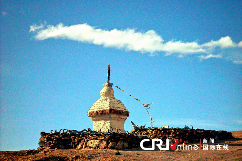 美丽西藏图片报道:圣洁玛尼石(高清组图)