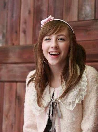 动作和声音都超级可爱,库尔在网络上拥有很多别称,比如小萝莉,萌娘.