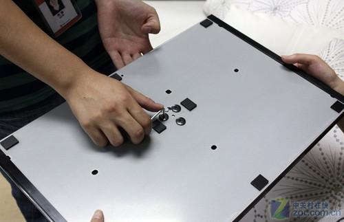 科技滚动 正文    索尼kdl-hx920液晶电视随机赠送底座,不需要单独