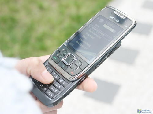 图为:诺基亚e66手机图片