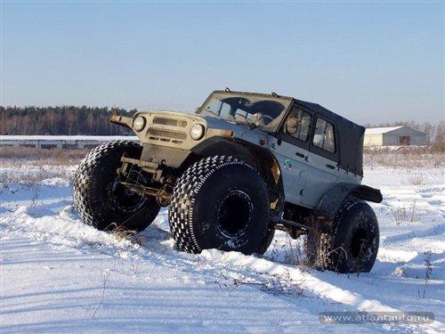 越野车_压人都不死俄罗斯巨胎越野车超越极限