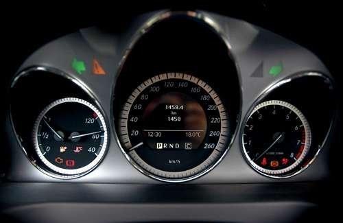 奔驰c260仪表盘图解