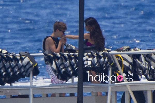 贾斯汀·比伯 (Justin Bieber) 和赛琳娜·戈麦斯 (Selena Gomez)
