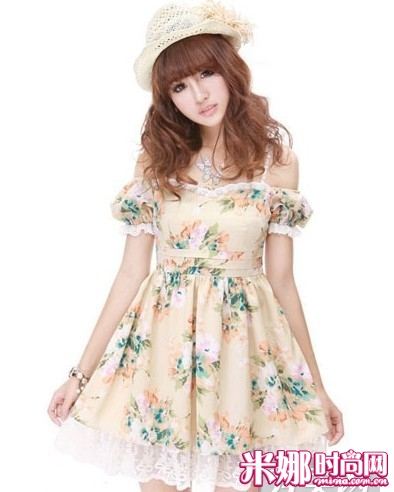露肩小洋装连衣裙