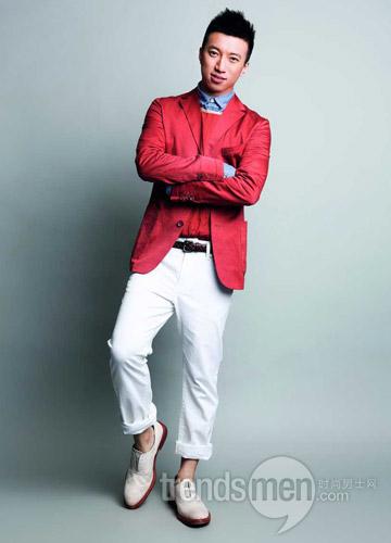 蓝色衬衫lacoste红色背心z