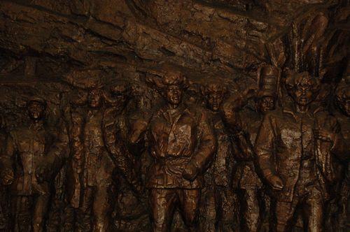 展馆内雕塑
