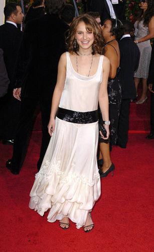 白色长裙令人惊艳-黑天鹅娜塔丽波特曼 女神穿衣大搜查