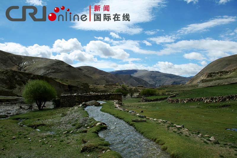 西藏山南隆子县河谷风景 徐朝清摄