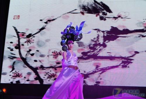 而模特们出色的表演,更把气氛推向高潮.图片